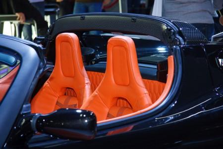 Artikelgebend sind die Sportwagen auf der IAA.